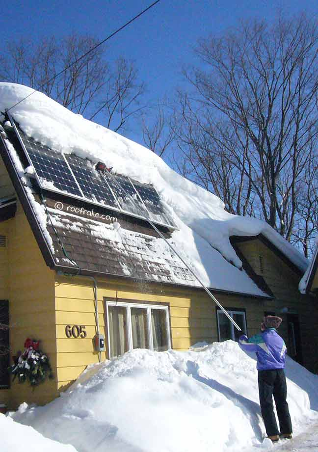 how to clean solar panels on roof
